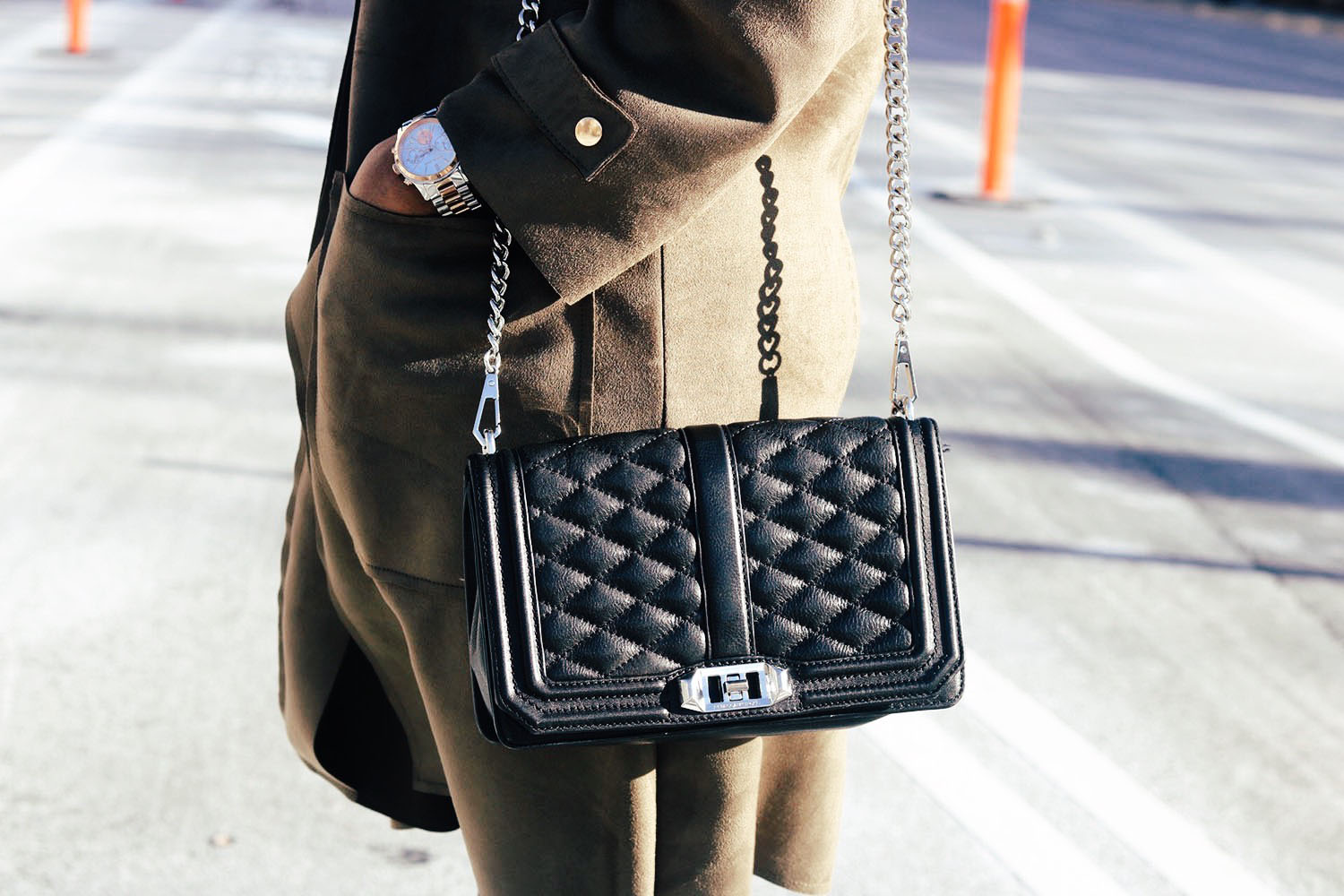 style-synopsis-quilted-cross-body-bag