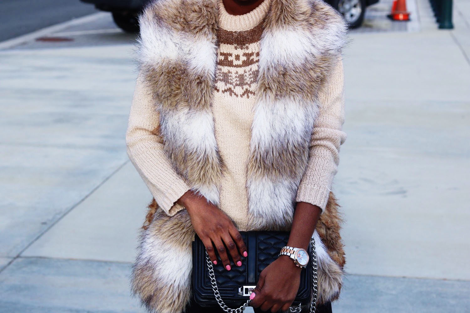 style-synopsis-sweater-fur-vest-look