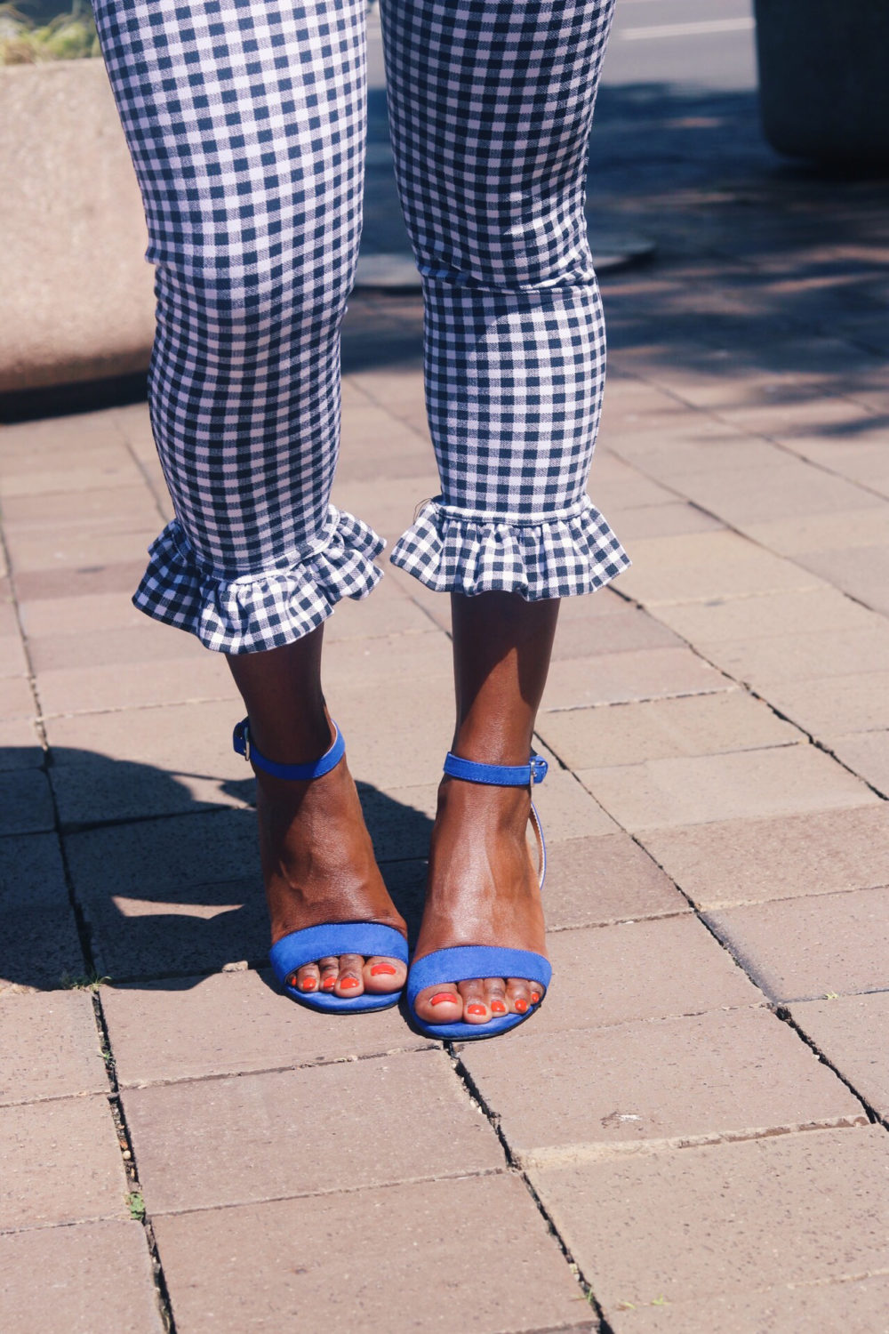 style-synopsis-gingham-crop-pants-blue-heels