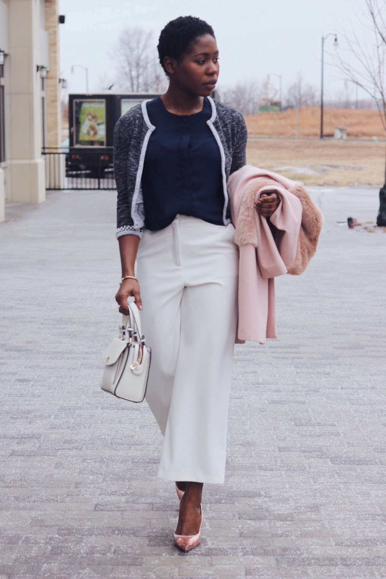 ALT=BUSINESS PROFESSIONAL OUTFIT