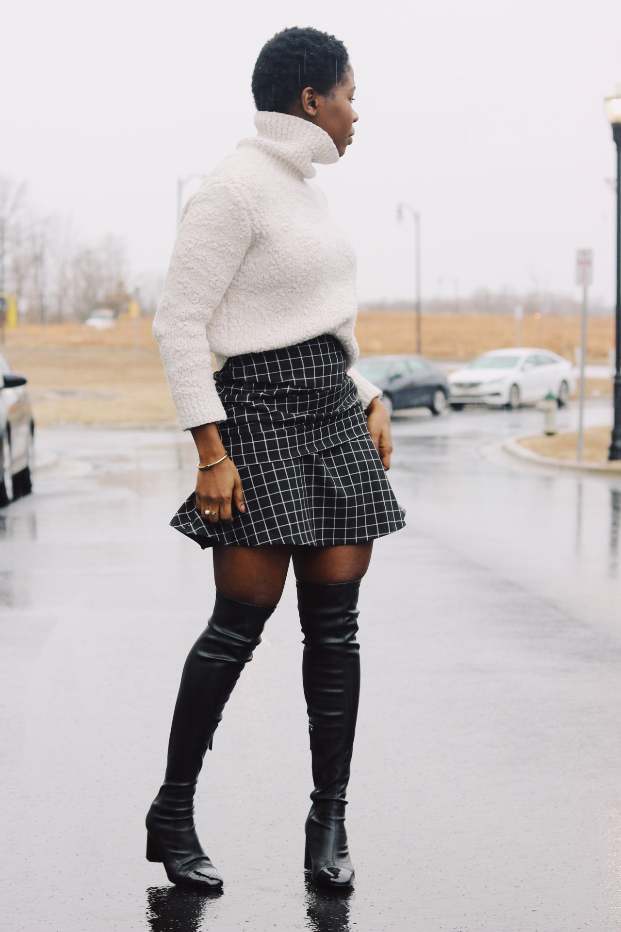 ALT = Knee High Boots winter style