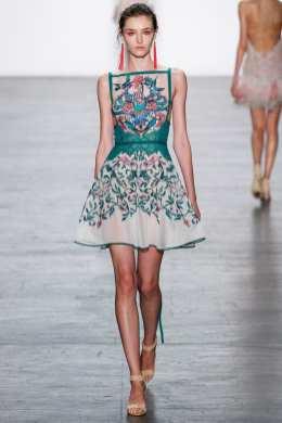 Tadashi Shoji SS17 New York Fashion Week Trends Image via Vogue.com