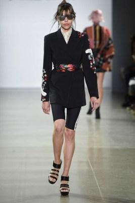 Nicole Miller New York Fashion Week Spring 2020 ©Imaxtree