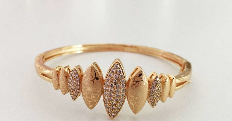 gold plated petal design ring