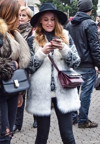 Ulična moda ne može bez krznenog prsluka by StyleZagreb.com