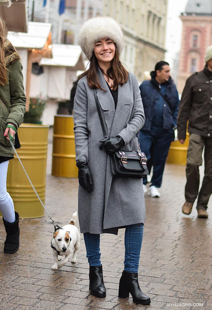 Karmen Vuković iz Dubrovnika, zimski stajling šubara, sivi kaput i čizme do gležnja, street style Zagreb. Ana Josipović blog