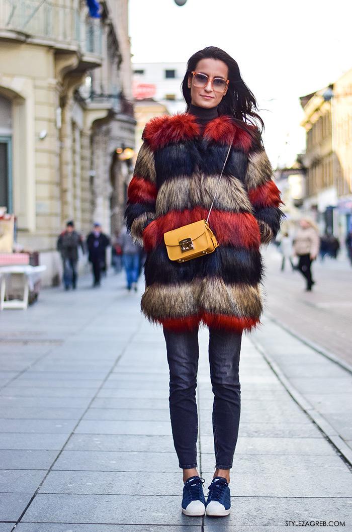 Zagreb street style moda Ilica siječanj 2016; kako kombinirati šarenu bundicu, traperice, tenisice i retro naočale, pravnica Petra Arsenali Instagram