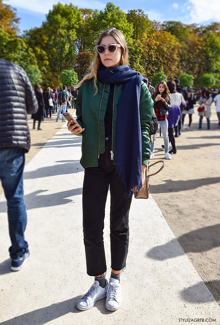 MODA: Kako kombinirati - street style outfit sa bomber jaknom i dugi šal