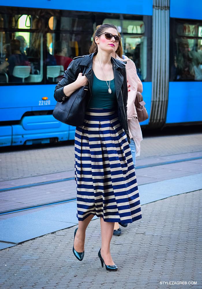Midi prugasta suknja, kako nositi, ulična moda Zagreb street style Zagreb