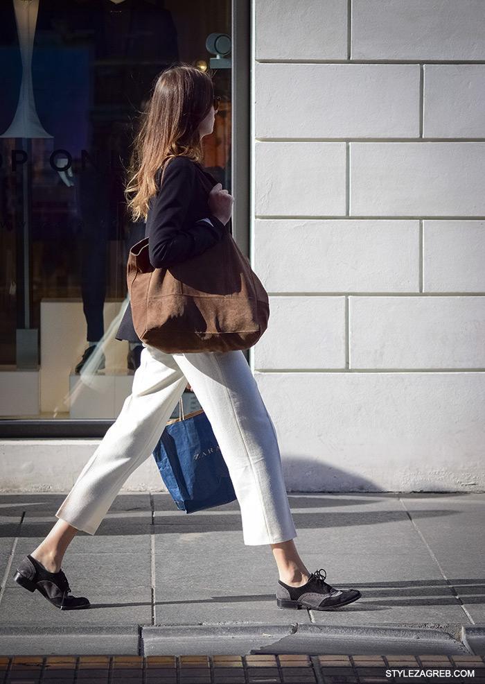 Tričetvrt bijele hlače na crtu s oksfordicama i velikom mekom torbom. Poslovna odjeća ulična moda Style Zagreb, gloria časopis za žene, život i zdravlje, poslovna žena, zadovoljna žena