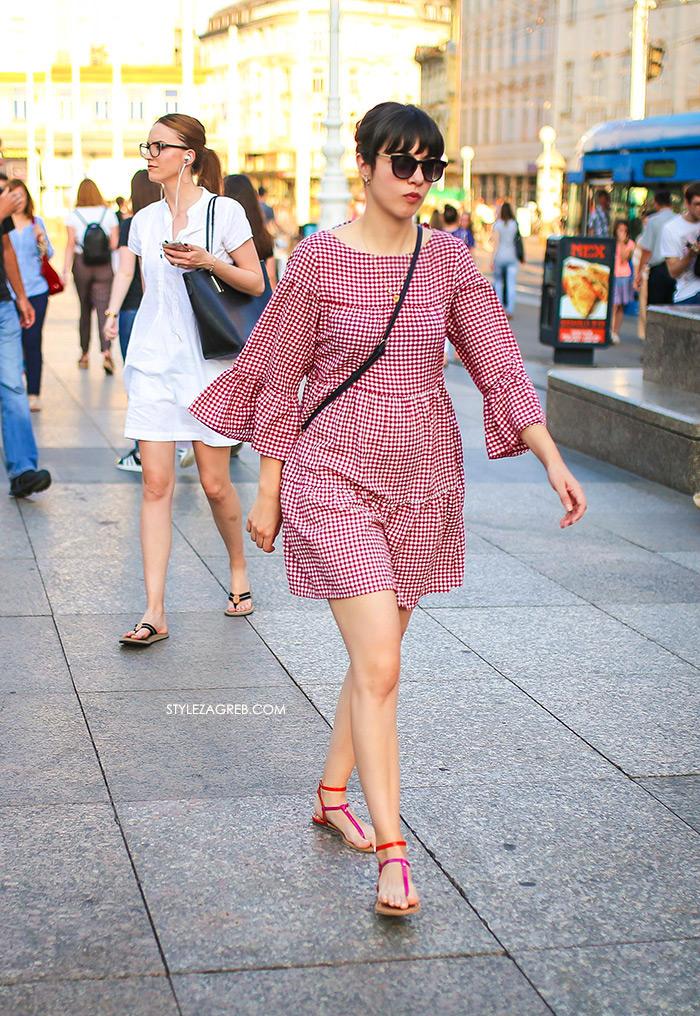 street style zagreb špica ljetna moda zara gingham crvena mini haljina i japanke