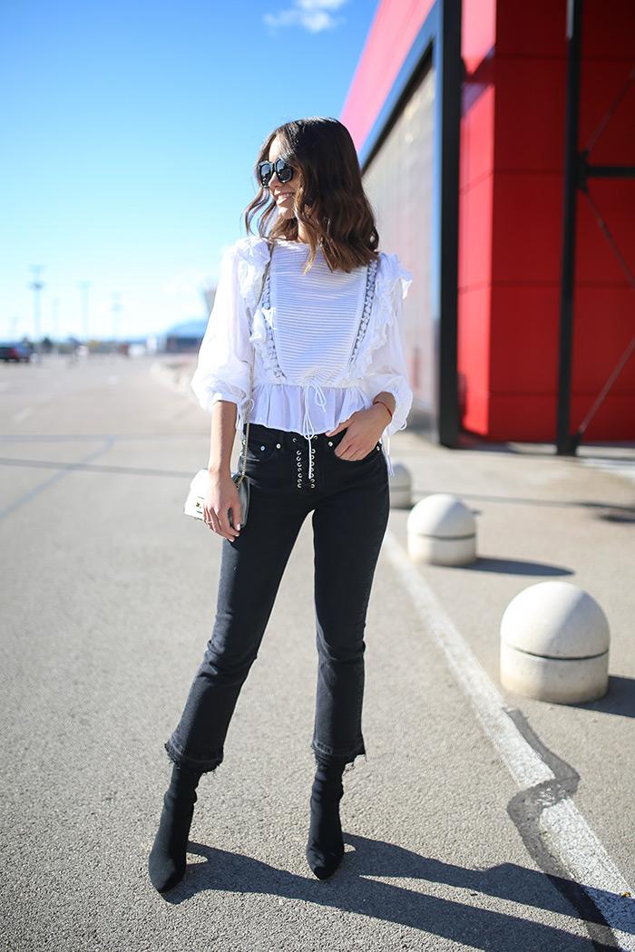 Paula Vuko, Style Zagreb, street style špica Arena centar jesenska moda trendovi traper trapezice Mango čipka bijela bluza