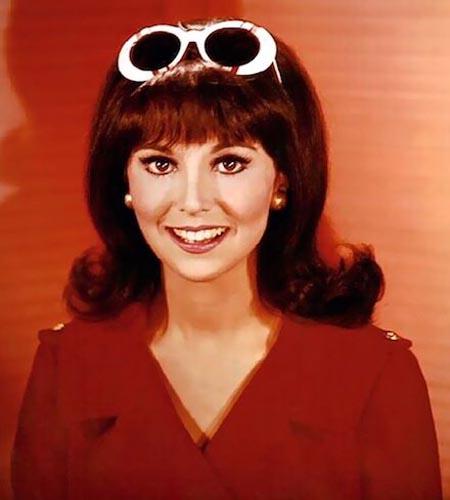 Mary Tyler 70s flip hair