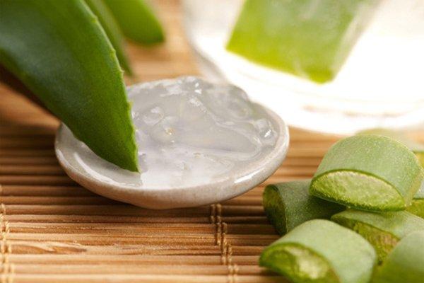 Natural ways to treat hair loss with Aloe Vera