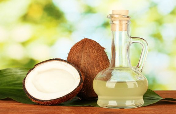 Natural ways to treat hair loss with Coconut oil