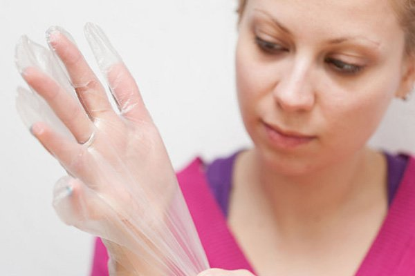 Wear gloves for healthy nails