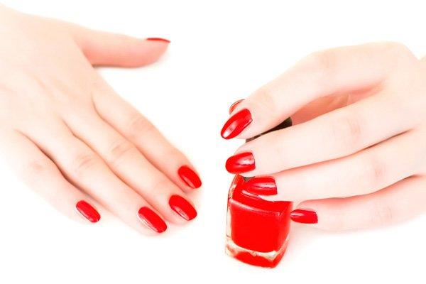 apply a colored nail polish