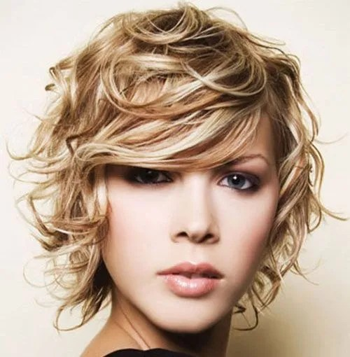 Choppy Bob Hairstyle with Curls