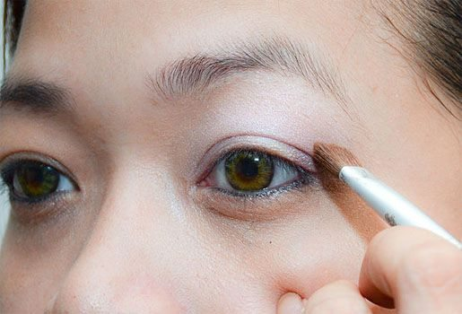 eye makeup for college girls