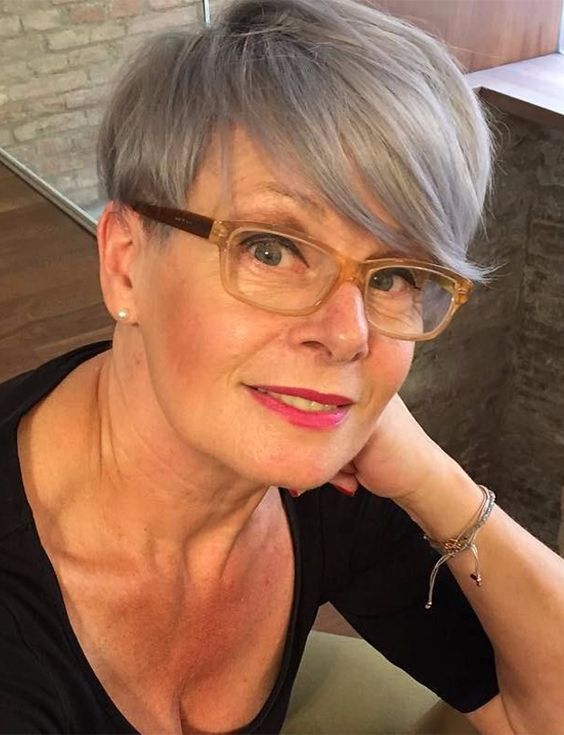 Superb Short Hairstyles For Women Over 50 Stylezco