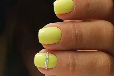 Yellow Nail Art Design That are So Perfect for 2018