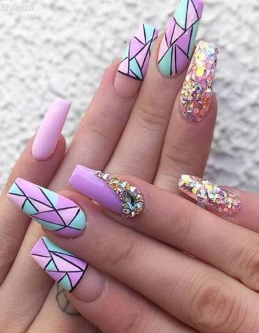 Stylish & Fresh Look of Purple Nails with Creative Design