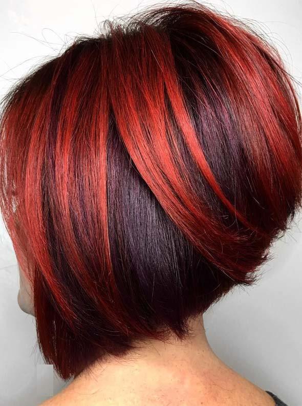 Kratka paž frizura sa crvenom bojom u dve nijanse