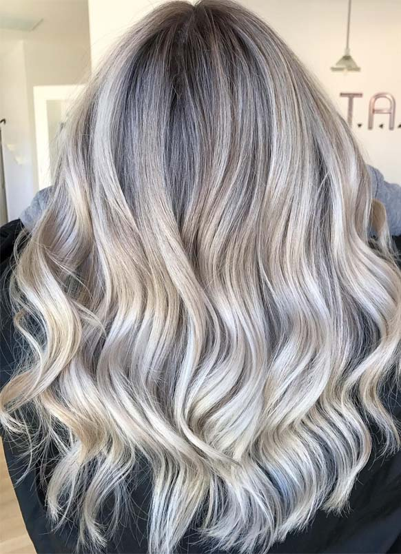 Rooty beige blonde hair colors in 2019