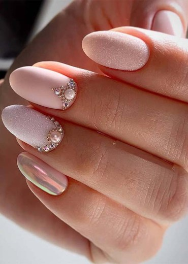 Bright Glitter Pink Nail Arts for 2019