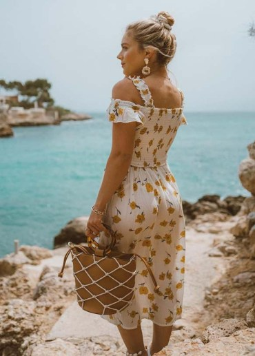 Adorable Summer Dresses Ideas to Wear in 2019