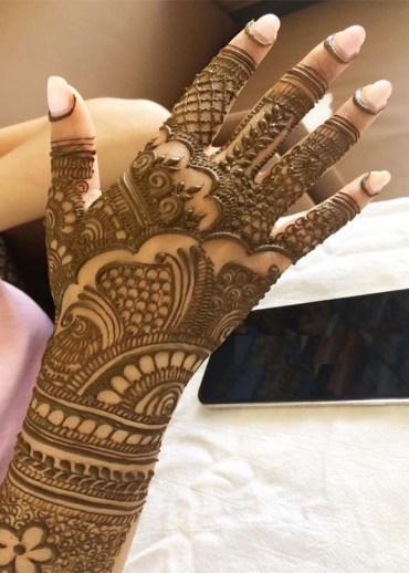 Fresh Mehndi Designs to Follow Nowadays