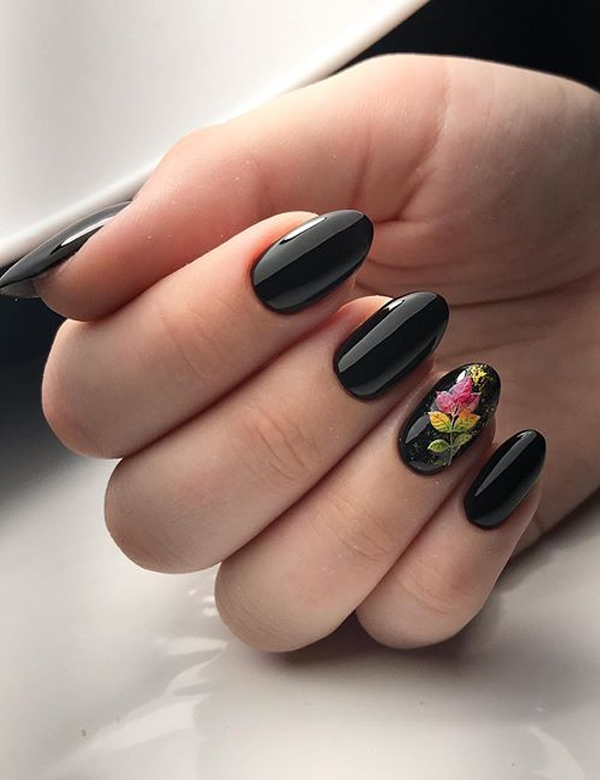 Black Nail Arts and Designs for Women to Show Off