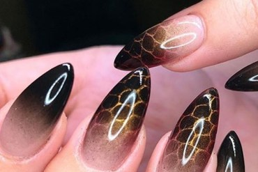 Dark and beautiful Halloween nails to Create in 2019