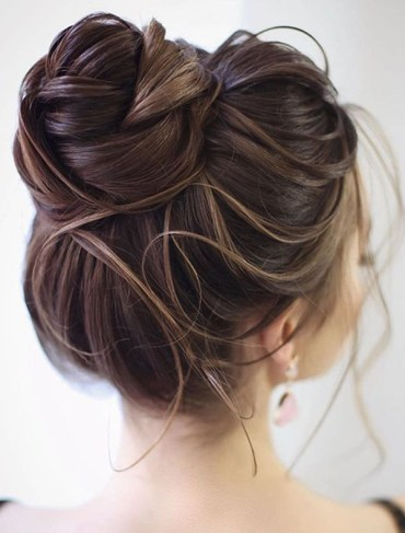 Gorgeous Updos for Long Hair to Show Off Nowadays