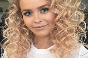 Amazing Soft Curly Hairstyles for Long Hair in 2020
