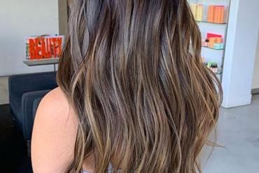 Beautiful chocolate latte hair colors for long hair in 2020