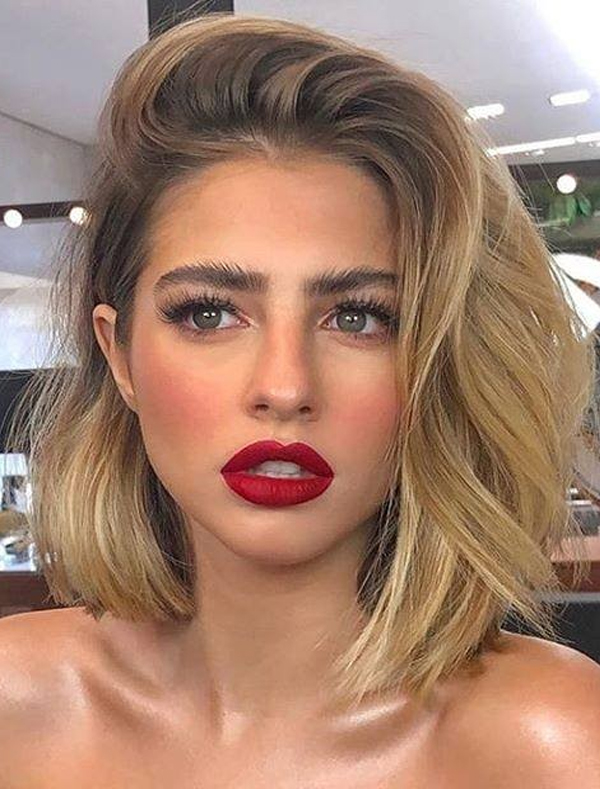 Medium Bob Haircuts with Blonde Highlights for Women 2020