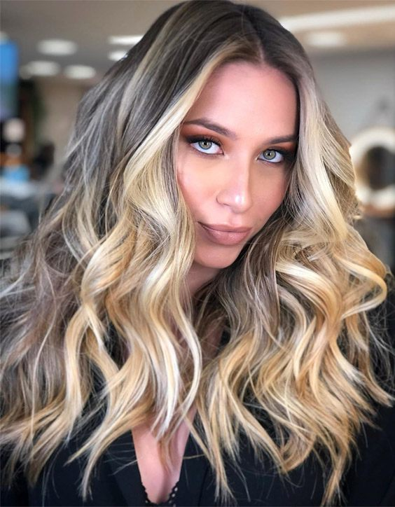 Charming Ideas of Golden Hair Highlights for 2020