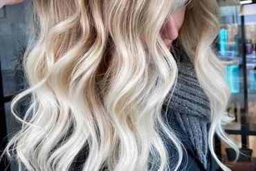 Fantastic Blonde Balayage with Shadow Roots in Year 2020