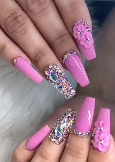 Pink Nail arts with Pearls for Girls to Try in 2020