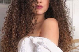 Adorable Long Curly Hairstyles & Cuts for Ladies