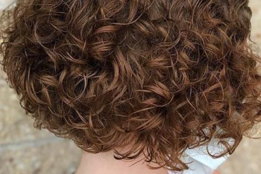 Fashionable Curly Bob Haircuts for Women 2020