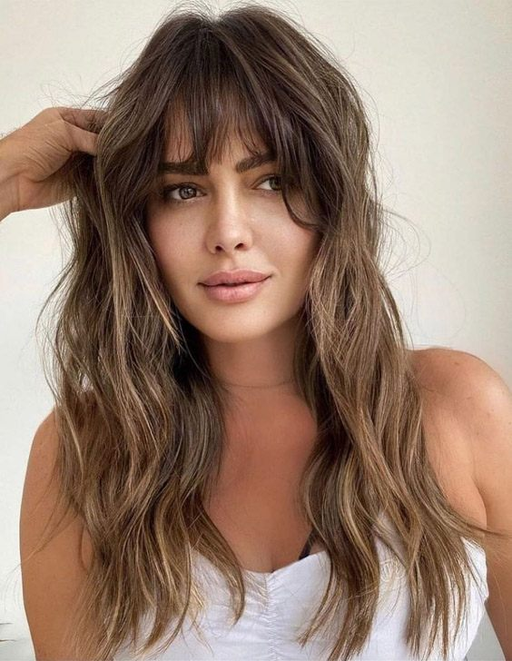 Unique Look of Medium Hair with Bang for 2021
