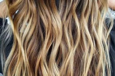 Elegant Balayage Hair Color Highlights to Sport