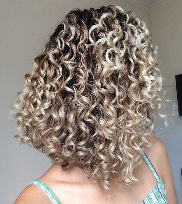 Lovely 2021 Curly Hair Trends You Should Try Now