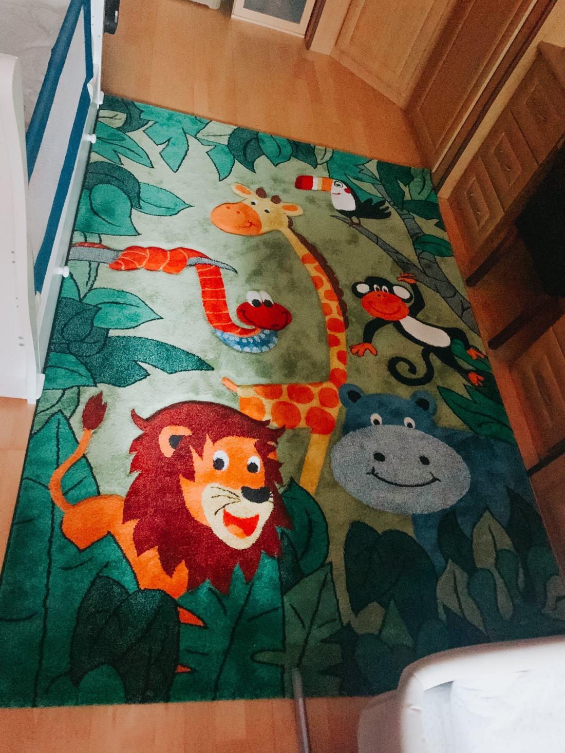 baby-nursery-room-essentials-area-rug-www.stylinglifetoday.com