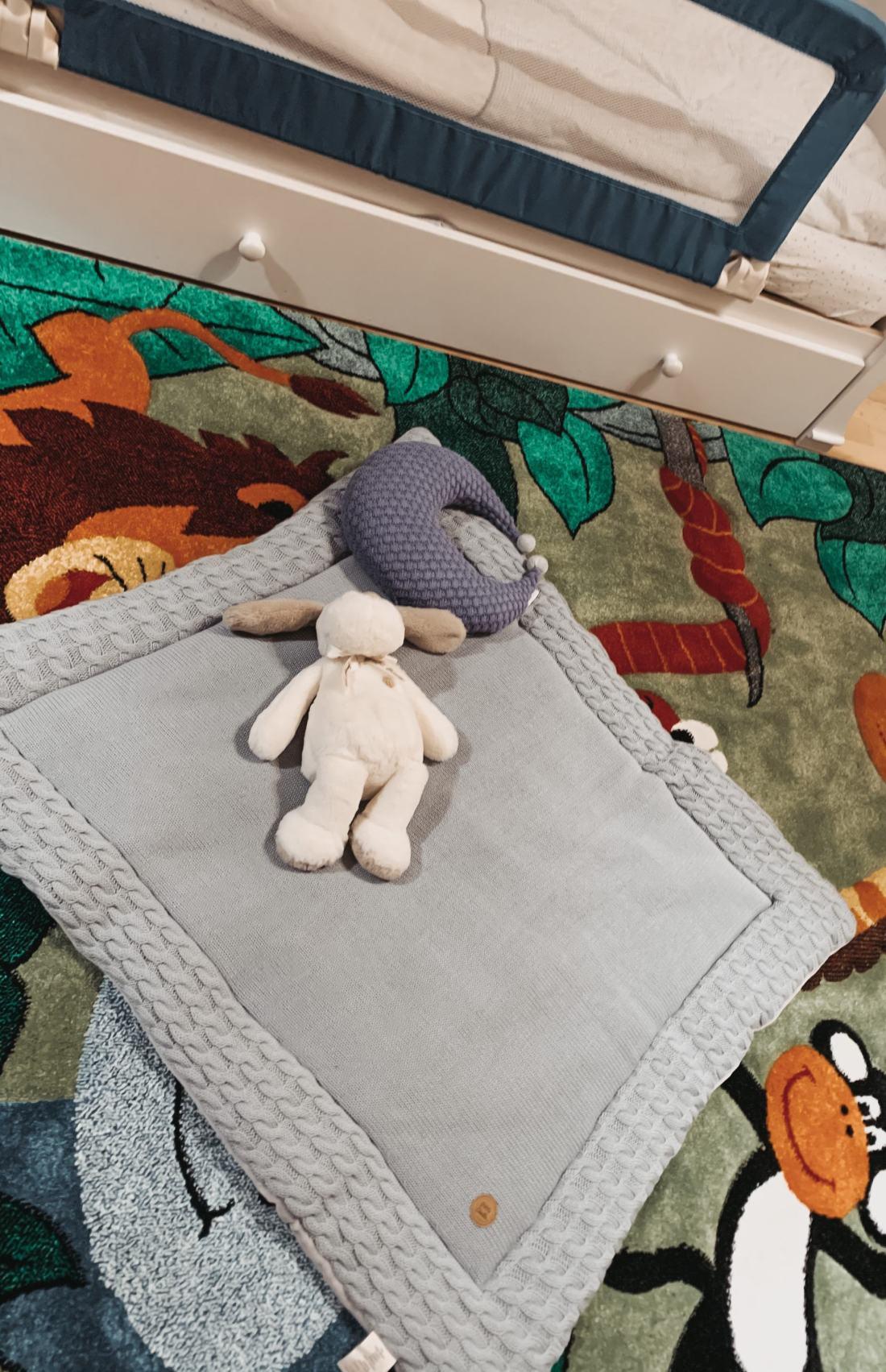 baby-nursery-room-essentials-play-pen-mat-www.stylinglifetoday.com
