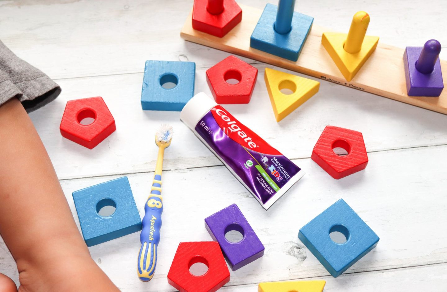tooth brush and tooth paste with building blocks