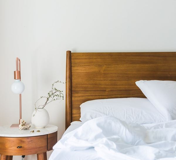 Six Ways to Simplify Your Bedroom