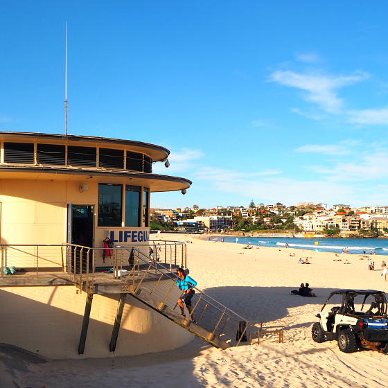 Bondi Beach Lifeguard Tower | Bondi Rescue | 10 things to do in Bondi